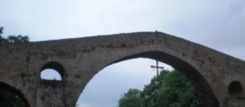 Fotografía tomada desde un puente de Asturias