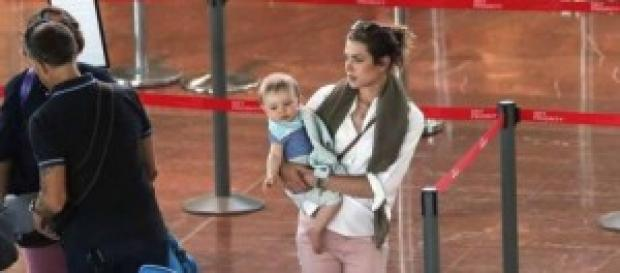 Charlotte, mamma viaggiatrice col piccolo Raphaël
