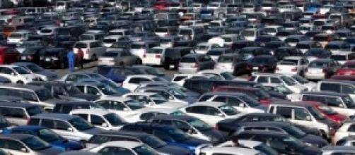 Automóvel - vendas crescem 35,7% em 2014