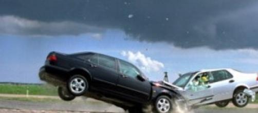 Incidenti stradali: morte 4 persone in poche ore