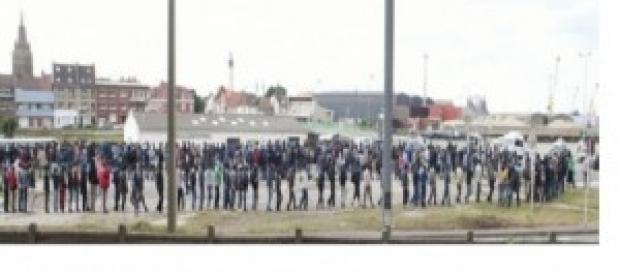 Immigrati ammassati a Calais