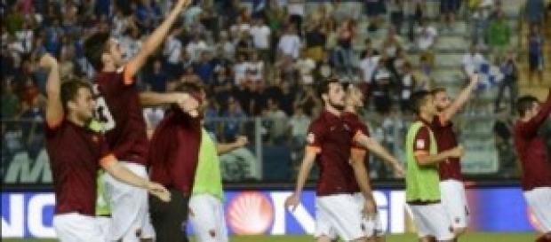 Esultanza dei giocatori della Roma a fine partita