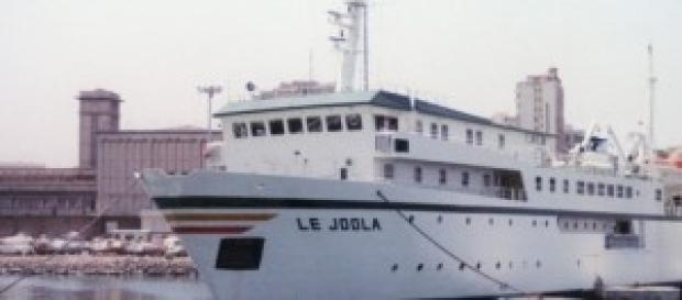 Le ferry Le Joola au port de Dakar