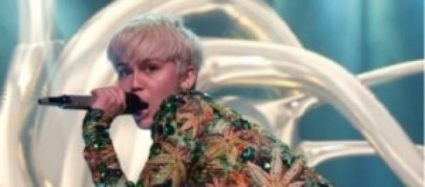 Miley Cirus en un concierto en Vancouver.
