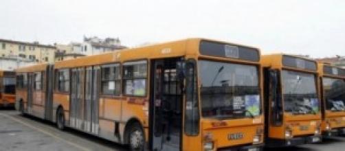 Fidanzati aggrediti su un autobus