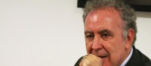Michele Santoro conduce 'Servizio Pubblico'