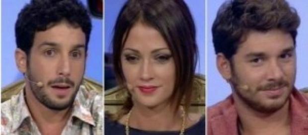 Andrea bacia Sharon, Teresa bacia Fabio. E Jonas?