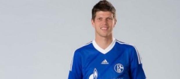 l'attaccante dello Schalke 04 Huntelaar
