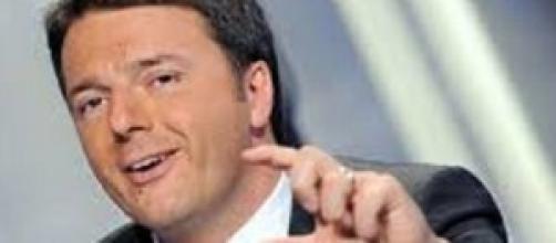 """Renzi, il nuovo slogan è """"passo dopo passo"""""""