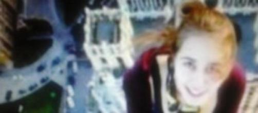 Ragazza 17enne cade da ponte dopo selfie