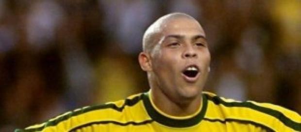 Ronaldo campione con le gambe di cristallo