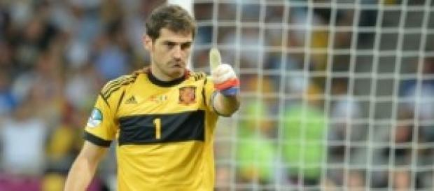 Casillas, titular. Foto: VíveloHoy