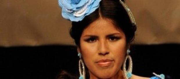 Chabelita vestida de sevillana