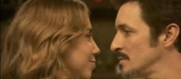 Emilia e Alfonso si guardano negli occhi