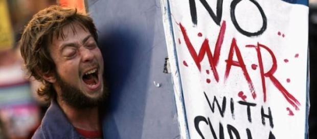 """No War with Syria"", guerra-civil na Síria."