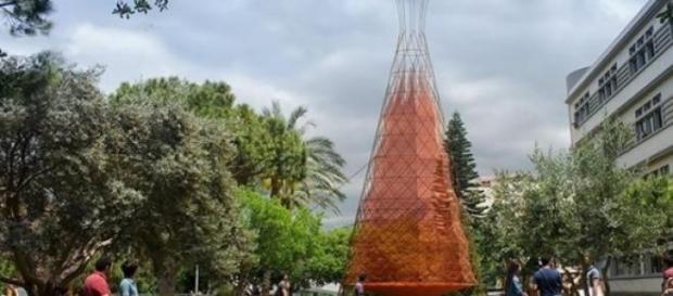 La torre de bambú recoge más de 50 litros de agua
