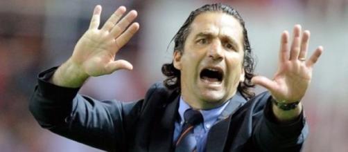 Juan Antonio Pizzi, entrenador del León
