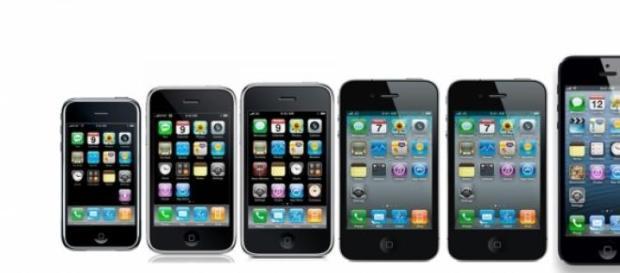Algunos de los primeros iPhones.