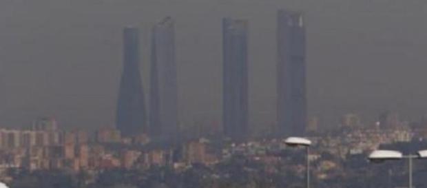 El cielo de Madrid cubierto de polución