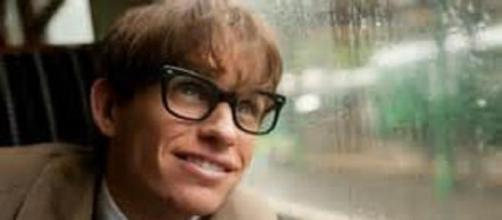 Eddie Redmayne won a Golden Globe for Hawking role