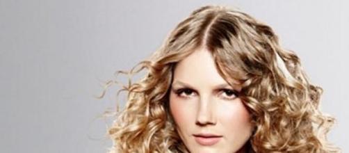 Foto acconciature capelli medi lisci