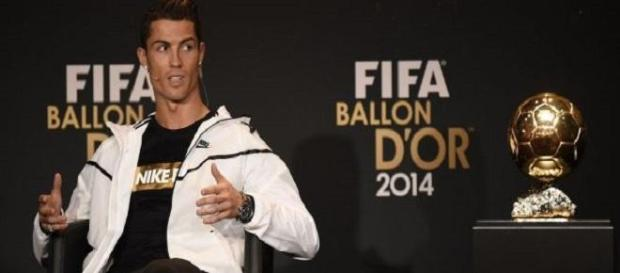 Cristiano Ronaldo recibe su tercer 'Balón de Oro'