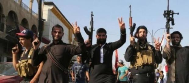 Immagine che rappresenta dei jihadisti.