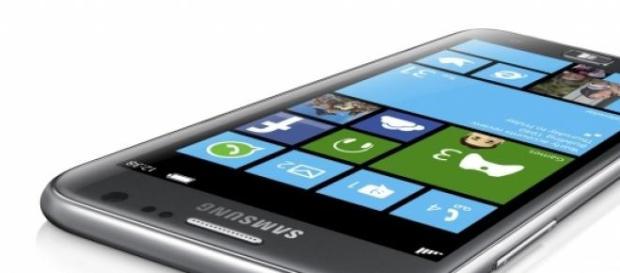 Samsung Galaxy ATIV, con WindowsPhone.