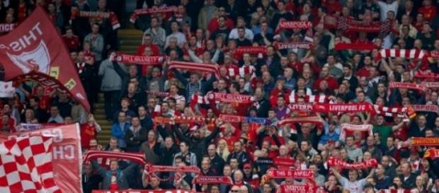 Tribuna celor de la Liverpool