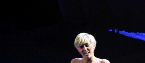 Miley Cyrus en una de sus recientes presentaciones
