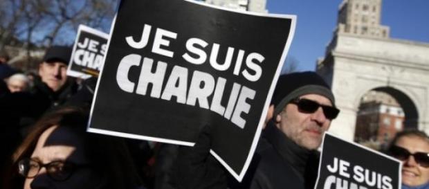 """Aplicação """"Je suis Charlie""""."""