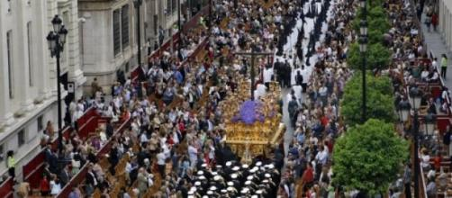Las procesiones sevillanas (visit Sevilla)