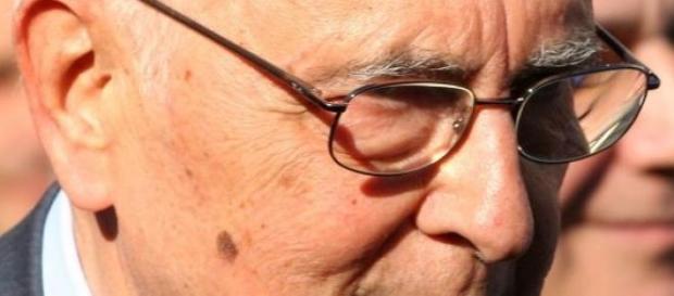 Giorgio Napolitano si è dimesso.