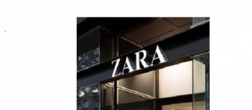 Nella foto: insegna di un negozio Zara
