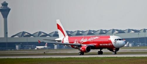 Recuperados destroços do Airbus da Air Asia.