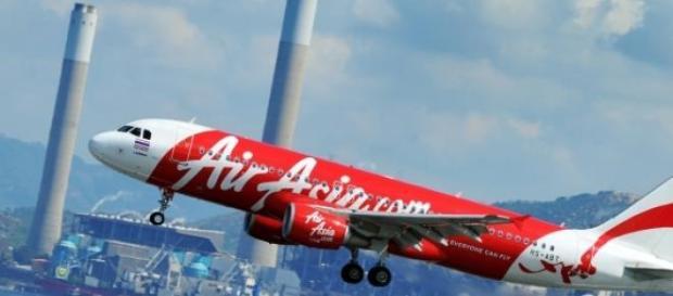 Caixa negra do avião da Air Asia foi encontrada