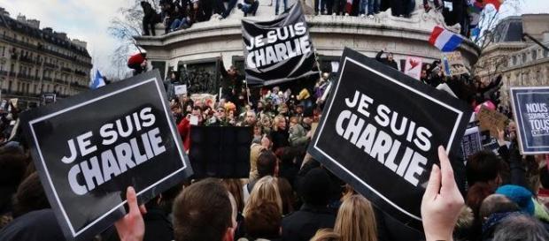 """""""Je suis Charlie"""" ne sert pas à gagner de l'argent"""