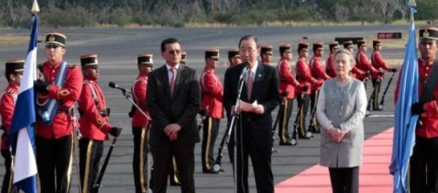 Ban Ki-moon in visita ad El Salvador per la pace