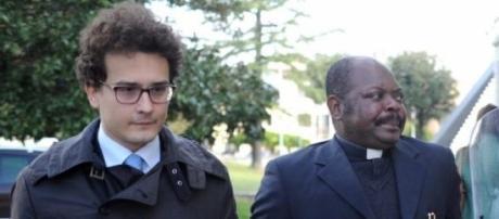 Padre Gratien Alabi e il suo avvocato Luca Fanfani