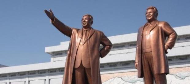 O objectivo é acabar com o culto ao ditador.