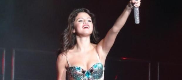 Selena Gomez fa infuriare i musulmani
