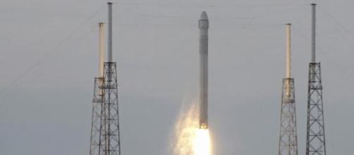 Google en negociaciones con Spacex