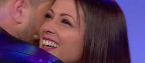 Teresa bacia Salvatore, Fabio provoca
