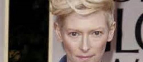 Tilda Swinton licked coats in show in Florence