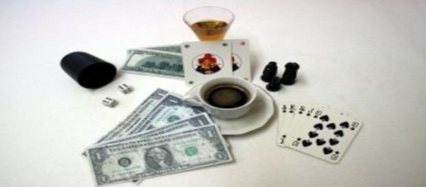 Cafea, alcool, tigari, jocuri de noroc