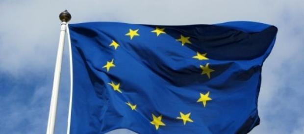 La bandiera simbolo dell'Europa