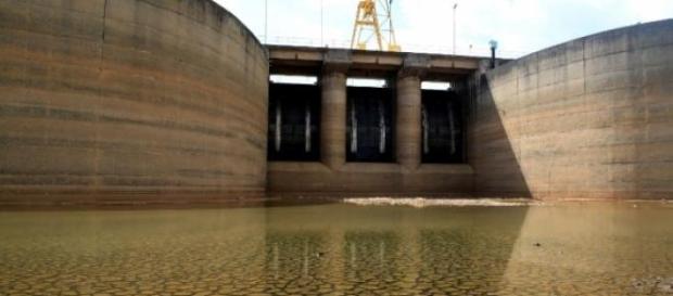 Nível de rio cai e afeta sudoeste paulista