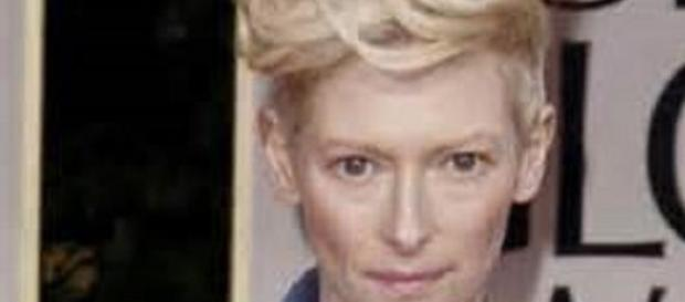 Tilda Swinton licked coats in show in Florence