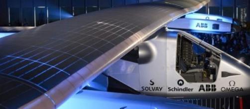 Solar Impulse 2 vol avec l'énergie solaire