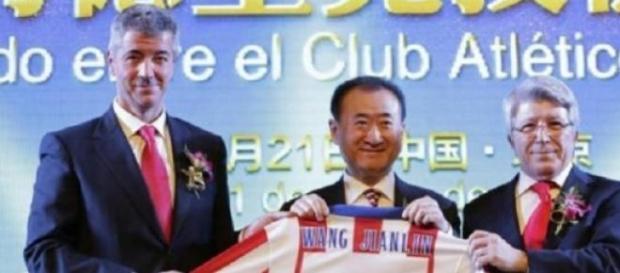 El magnate Wang, posee ahora el 20% del equipo